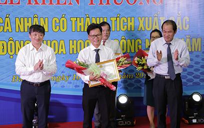 Đà Nẵng Trao thưởng cho các Nhà khoa học Đại học Duy Tân năm 2018