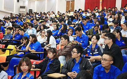 Gần 500 Sinh viên Duy Tân Tham dự Lớp Truyền thông về HIV/AIDS năm 2018