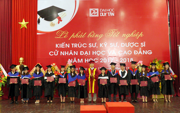 Graduation Ceremony for Students of Bachelor's Degree Linking Programs